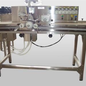 Máquina de cortar e rechear pão de alho